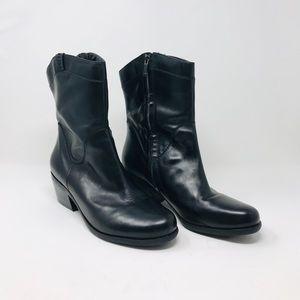 B Makowsky leather BF Hudson mid-calf boots